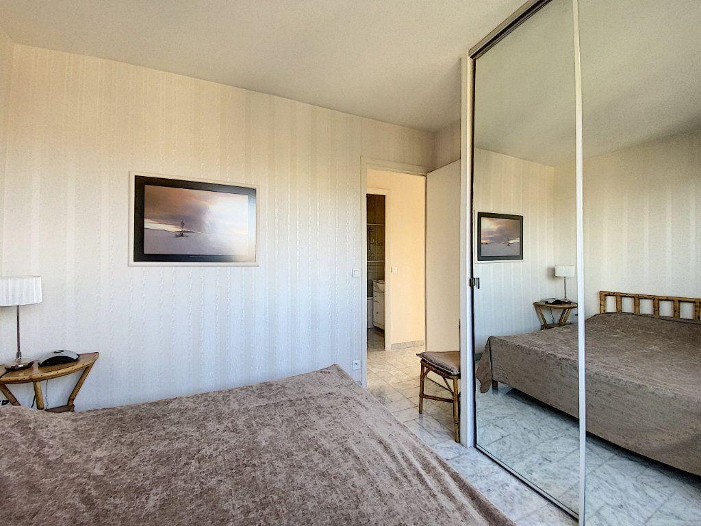 Appartement à vendre 2 58.26m2 à Cannes vignette-8