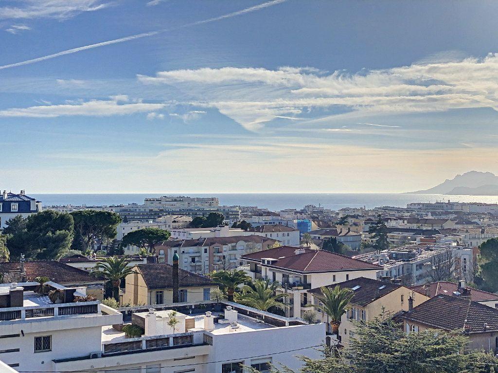 Appartement à vendre 2 58.26m2 à Cannes vignette-13