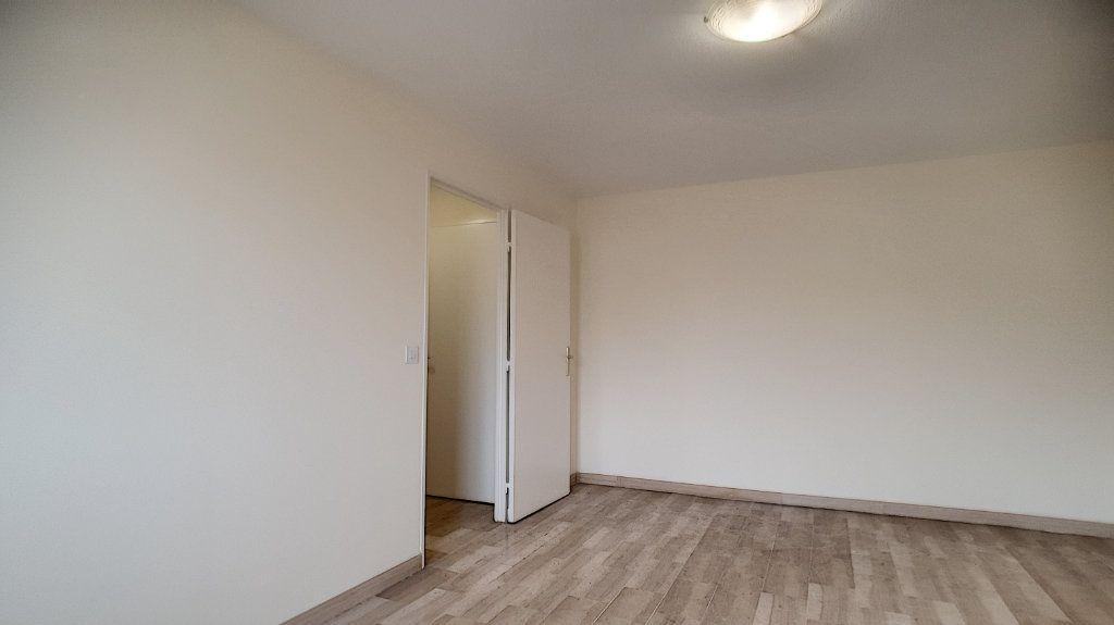 Appartement à vendre 1 26.9m2 à Cannes vignette-4
