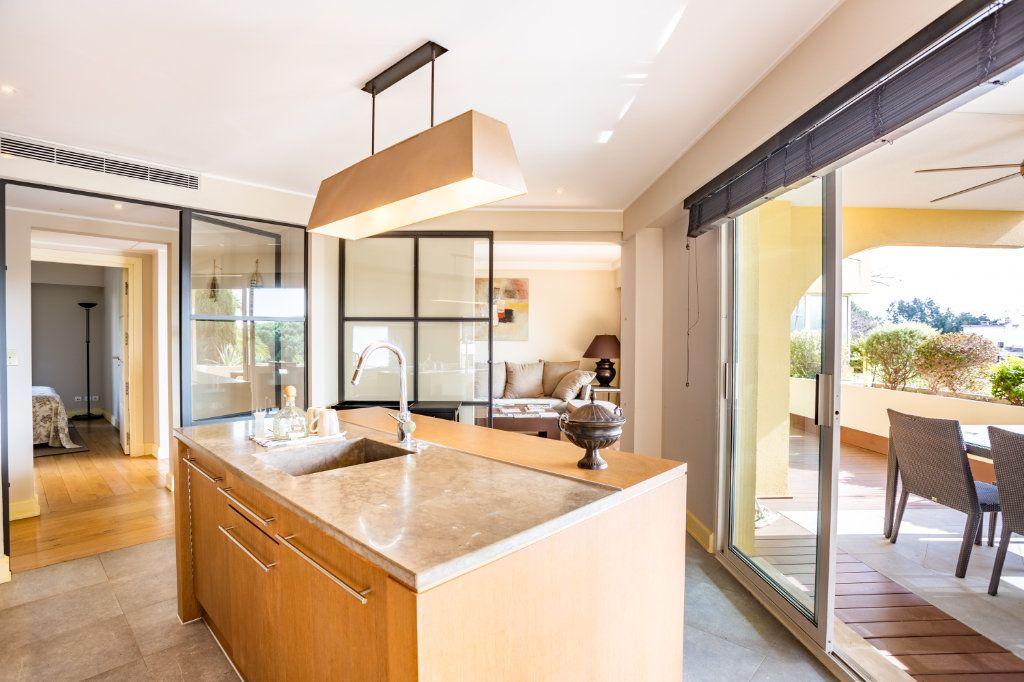 Appartement à vendre 4 108.04m2 à Cannes vignette-6