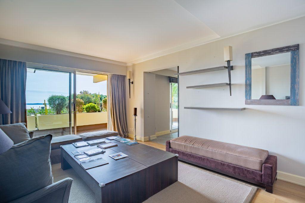 Appartement à vendre 4 108.04m2 à Cannes vignette-8