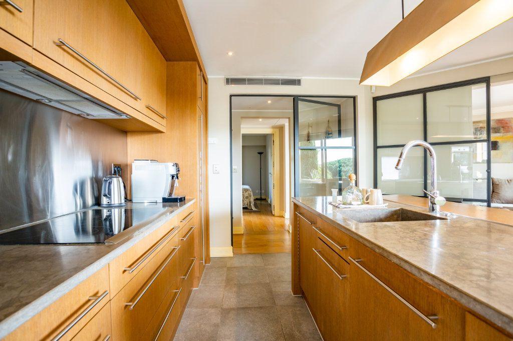Appartement à vendre 4 108.04m2 à Cannes vignette-9