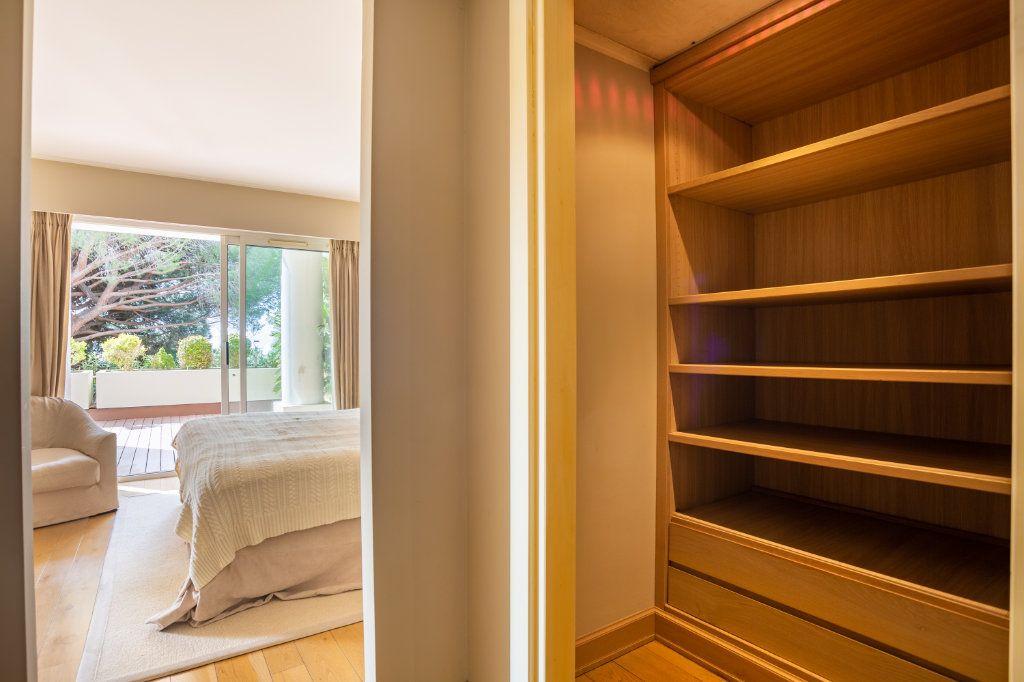 Appartement à vendre 4 108.04m2 à Cannes vignette-14