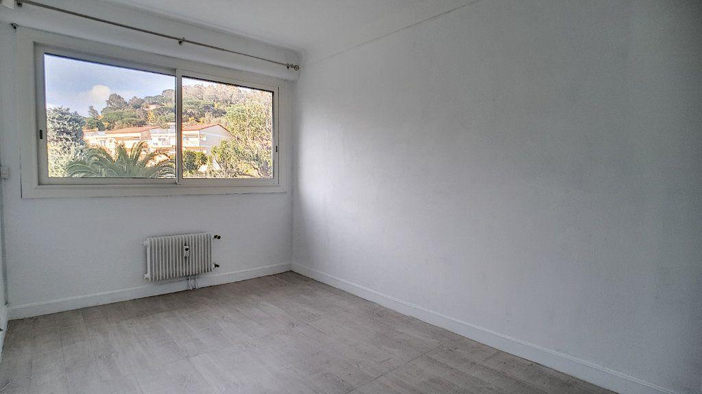 Appartement à vendre 4 97.24m2 à Cannes vignette-9