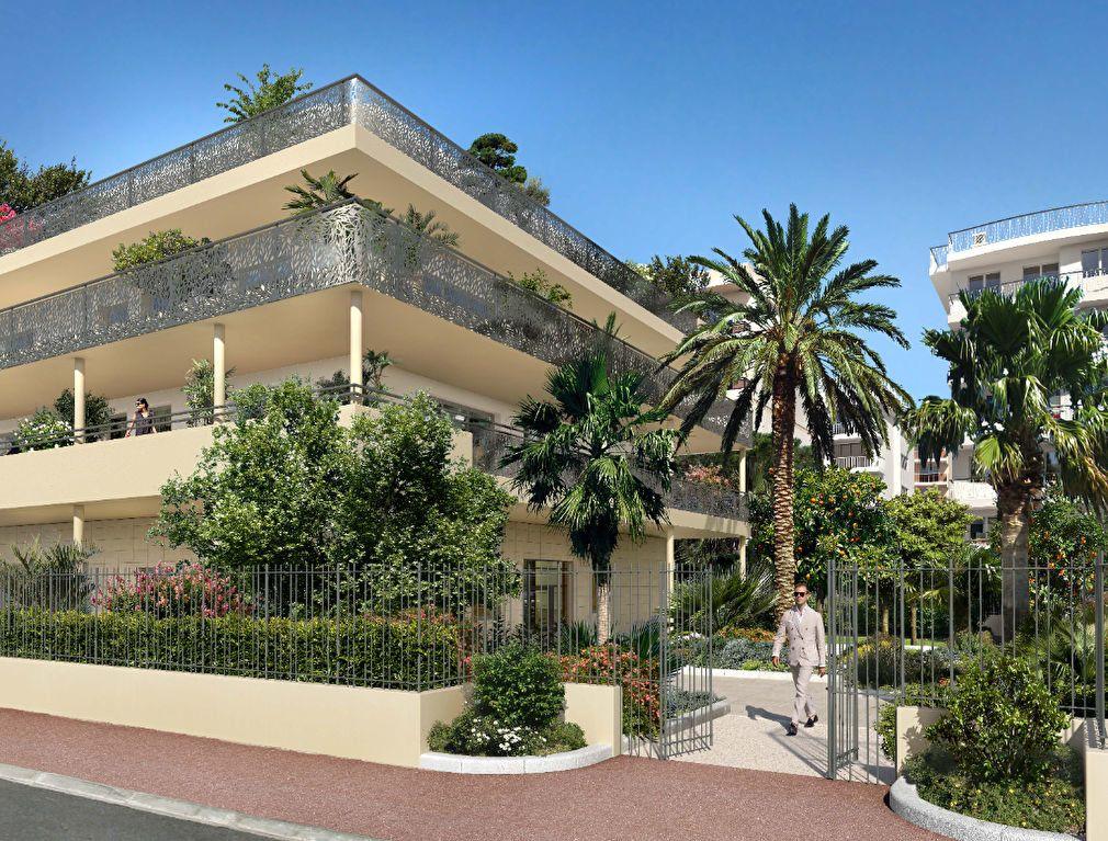 Appartement à vendre 4 154.5m2 à Cannes vignette-2