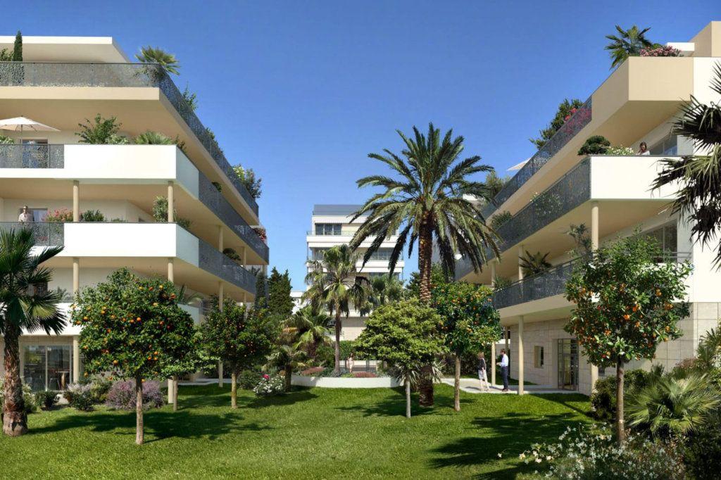 Appartement à vendre 4 154.5m2 à Cannes vignette-4