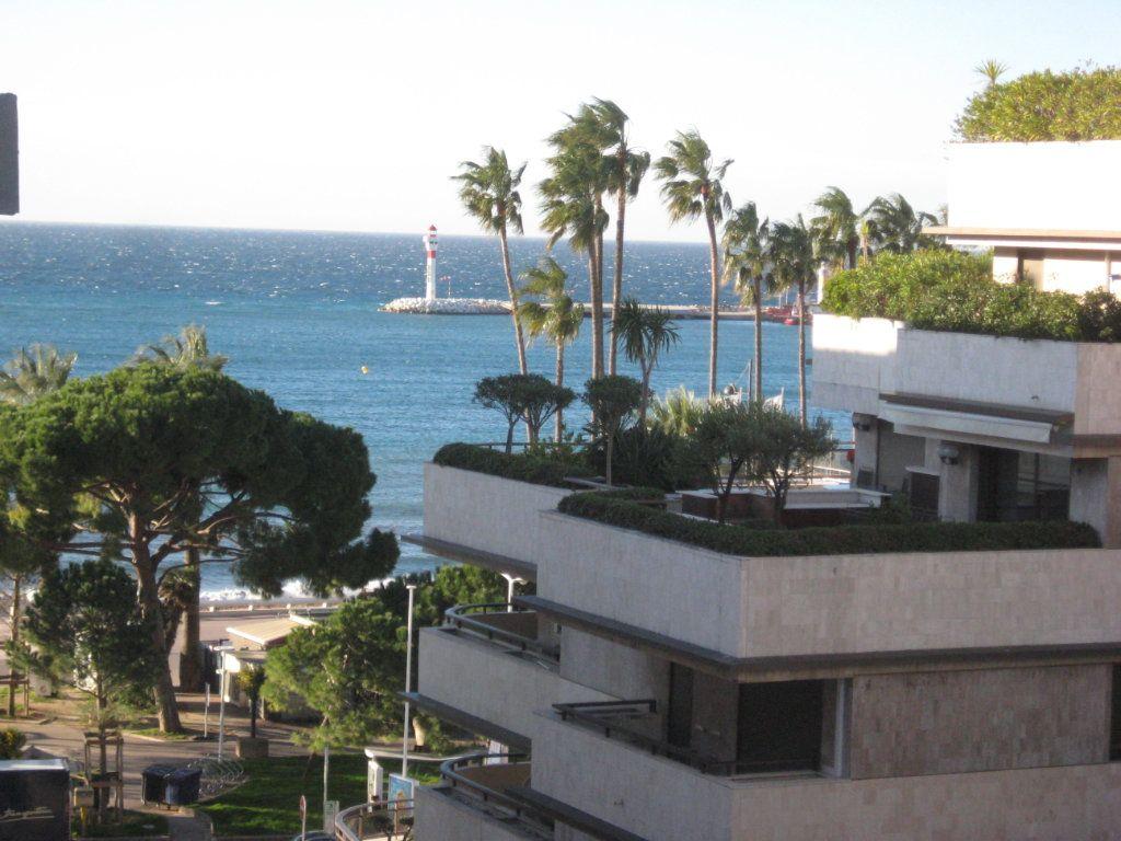 Appartement à vendre 3 91.29m2 à Cannes vignette-1