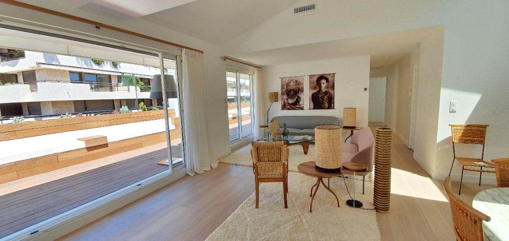Appartement à vendre 3 91.29m2 à Cannes vignette-7