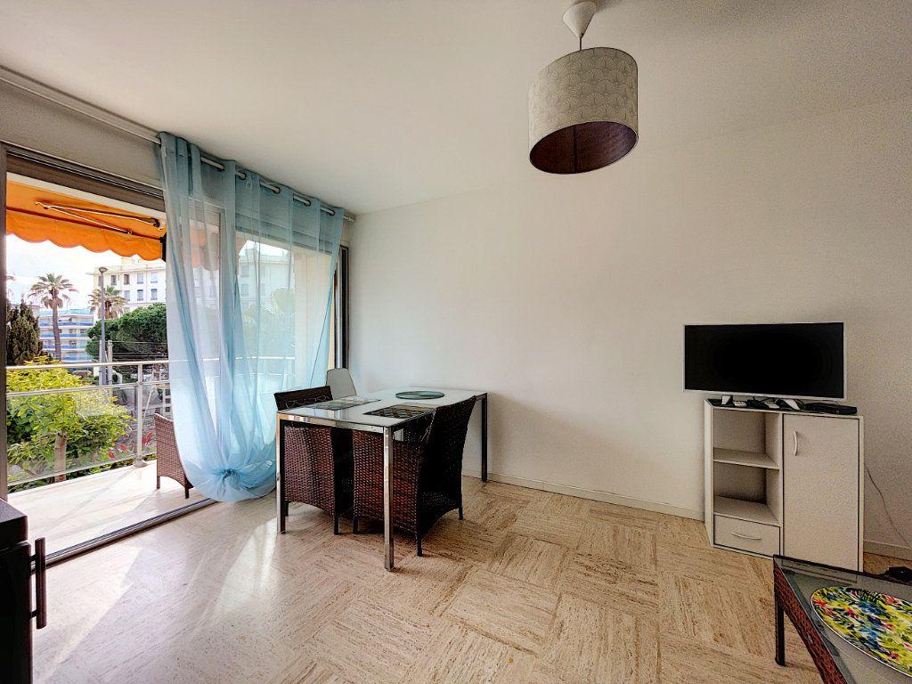Appartement à vendre 2 30m2 à Cannes vignette-2