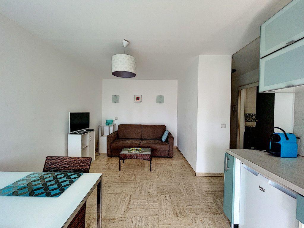 Appartement à vendre 2 30m2 à Cannes vignette-4
