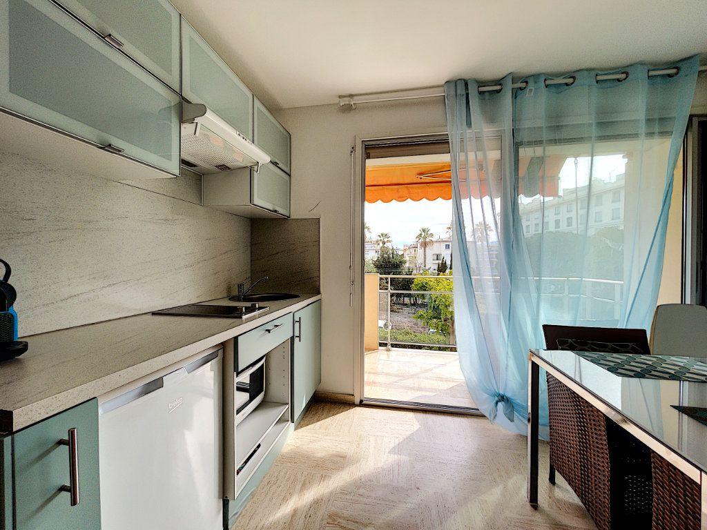 Appartement à vendre 2 30m2 à Cannes vignette-5
