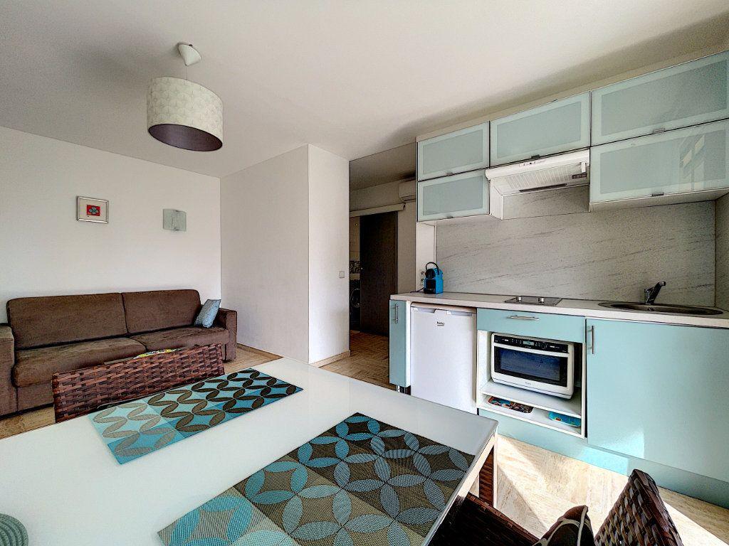 Appartement à vendre 2 30m2 à Cannes vignette-10