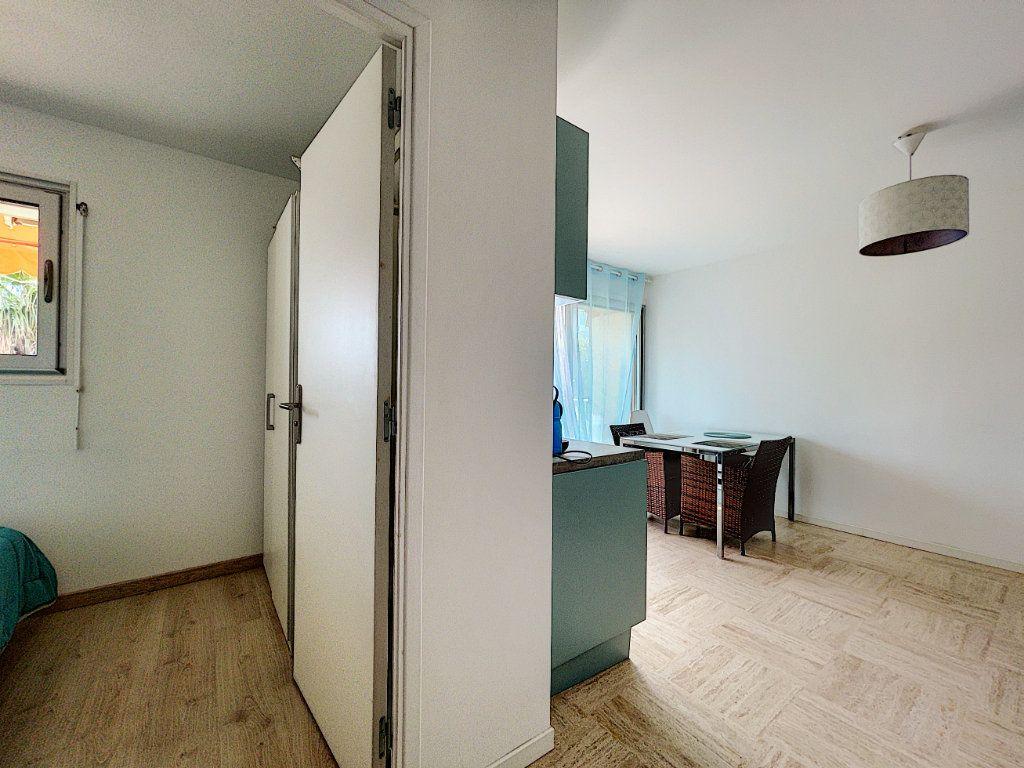 Appartement à vendre 2 30m2 à Cannes vignette-12