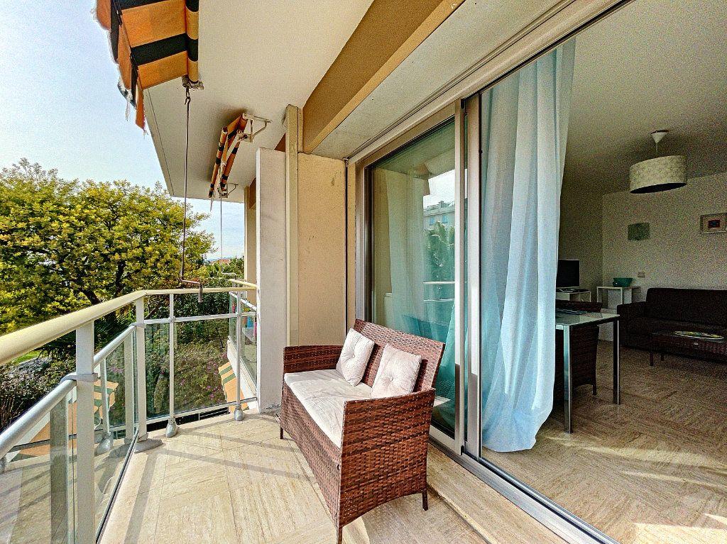 Appartement à vendre 2 30m2 à Cannes vignette-15