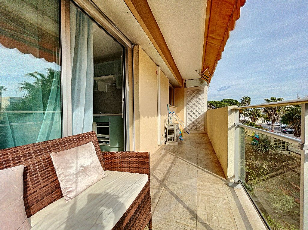 Appartement à vendre 2 30m2 à Cannes vignette-16