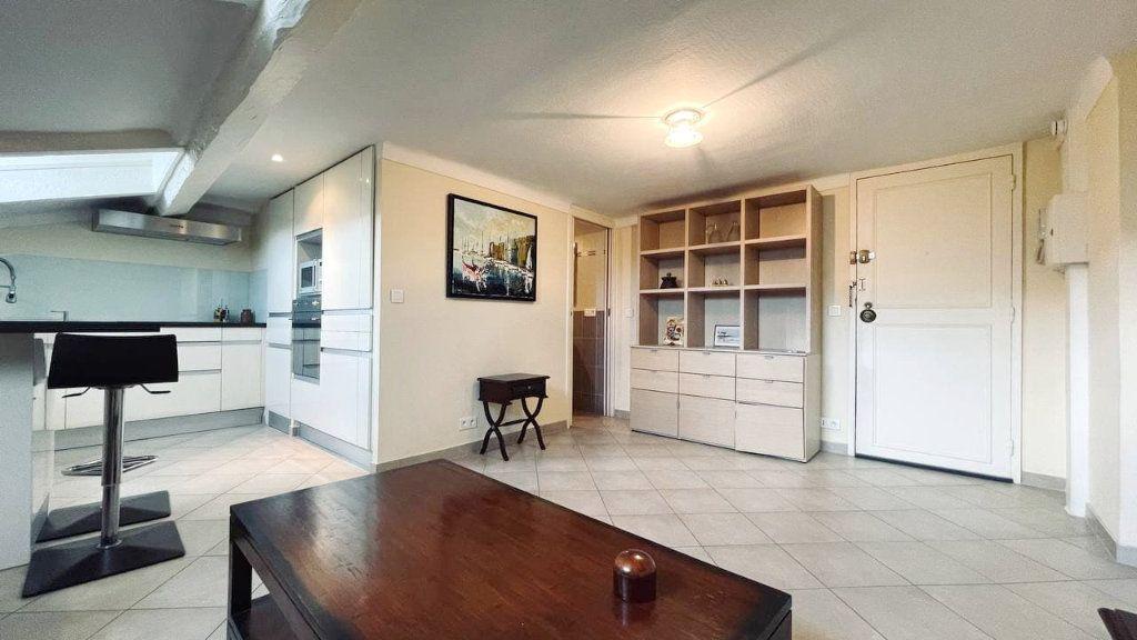 Appartement à vendre 2 33m2 à Cannes vignette-2