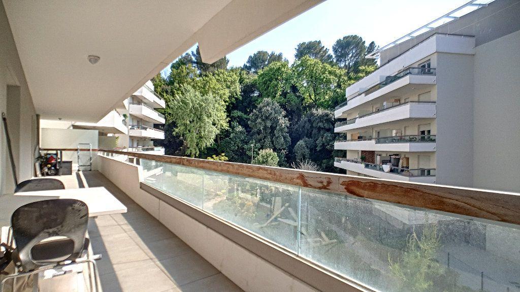 Appartement à vendre 3 66.26m2 à Cannes vignette-3