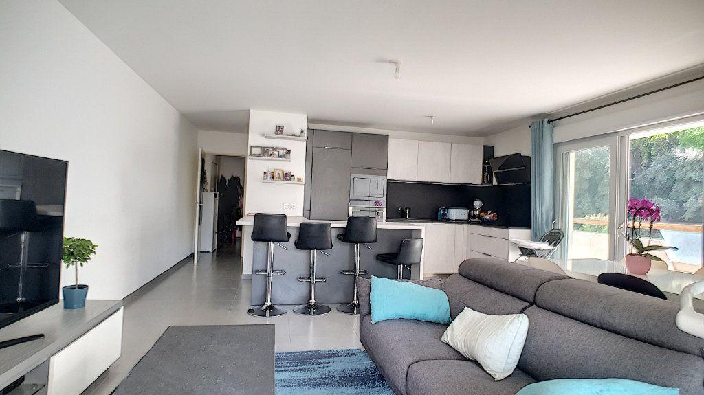 Appartement à vendre 3 66.26m2 à Cannes vignette-5