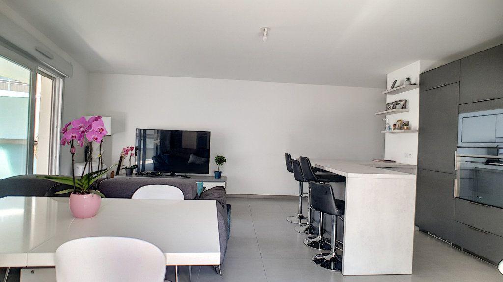 Appartement à vendre 3 66.26m2 à Cannes vignette-6