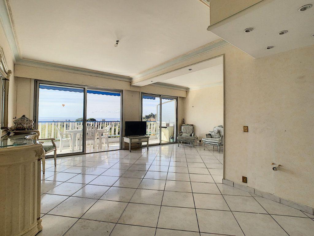 Appartement à vendre 3 92.4m2 à Cannes vignette-2