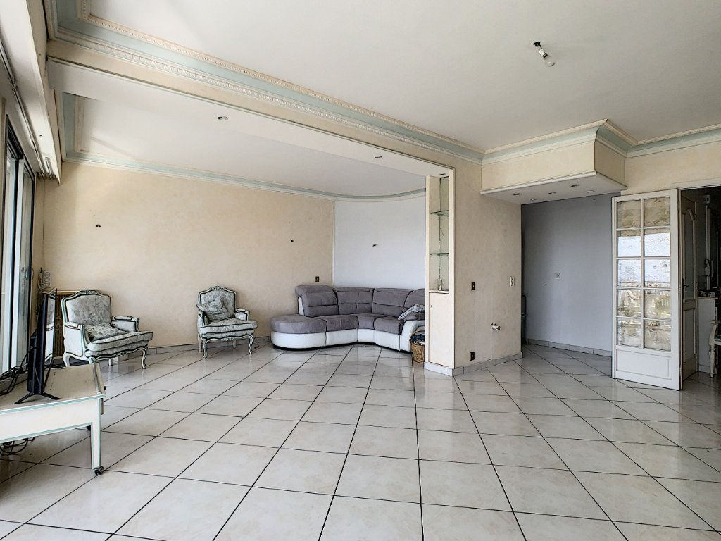 Appartement à vendre 3 92.4m2 à Cannes vignette-3