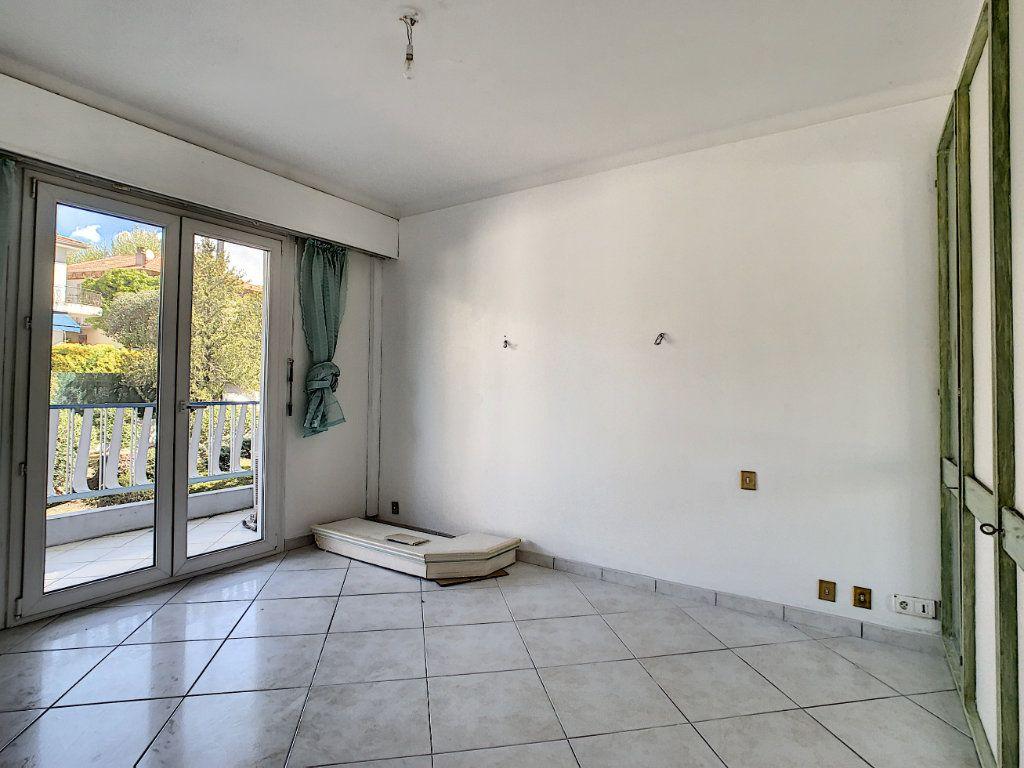 Appartement à vendre 3 92.4m2 à Cannes vignette-4