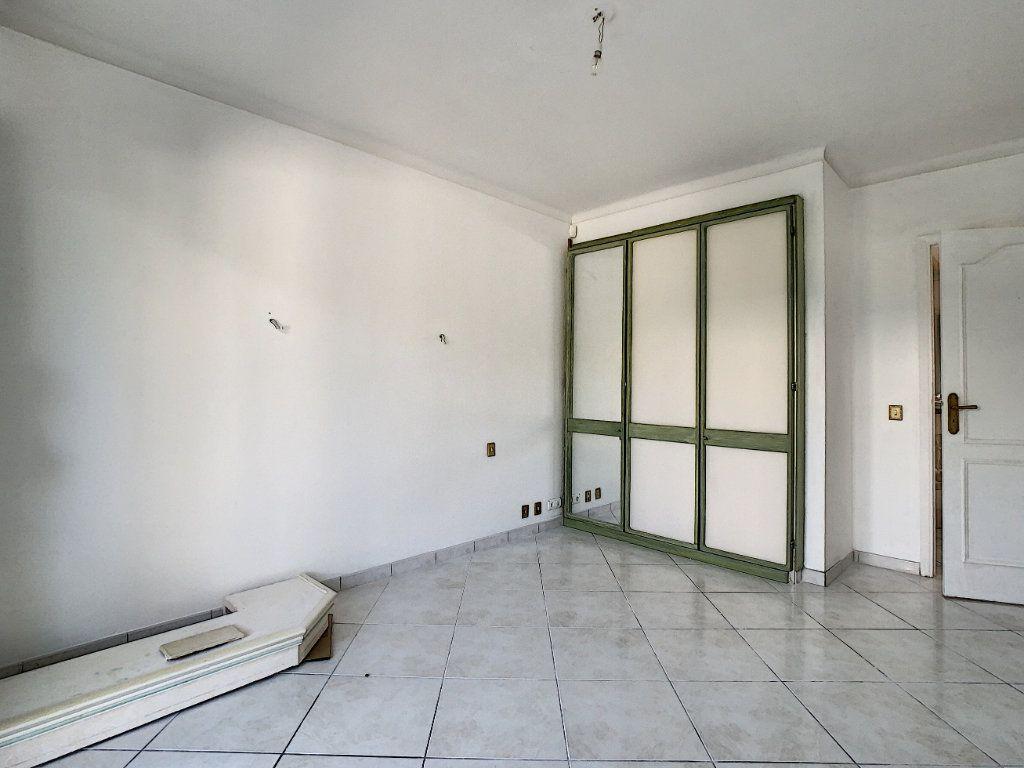 Appartement à vendre 3 92.4m2 à Cannes vignette-5