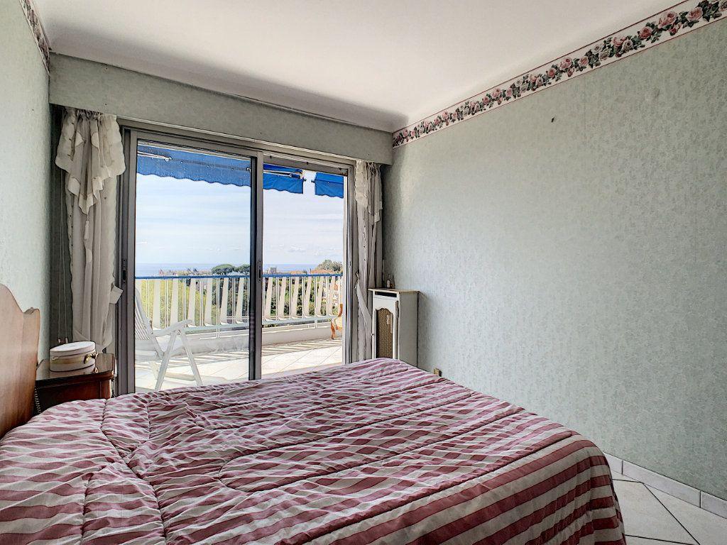 Appartement à vendre 3 92.4m2 à Cannes vignette-8