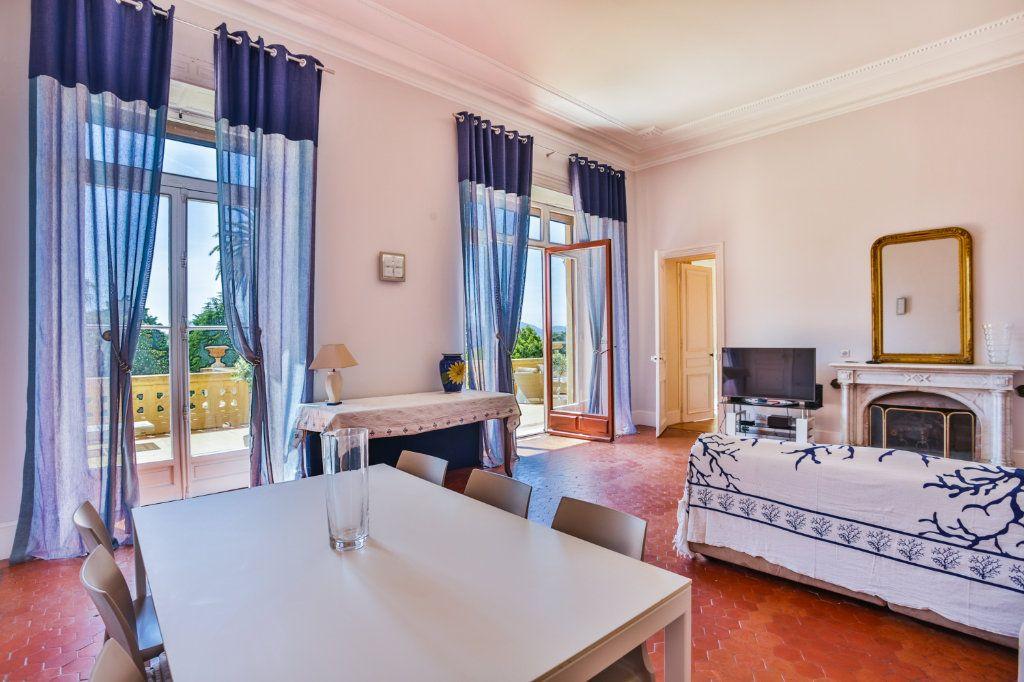 Appartement à vendre 3 121.97m2 à Cannes vignette-4