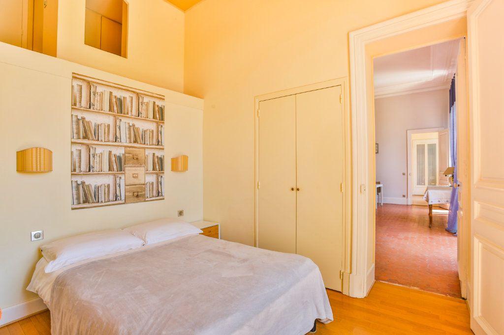 Appartement à vendre 3 121.97m2 à Cannes vignette-7