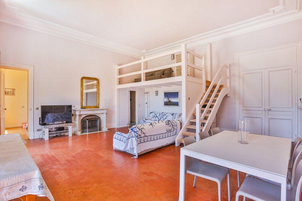 Appartement à vendre 3 121.97m2 à Cannes vignette-9