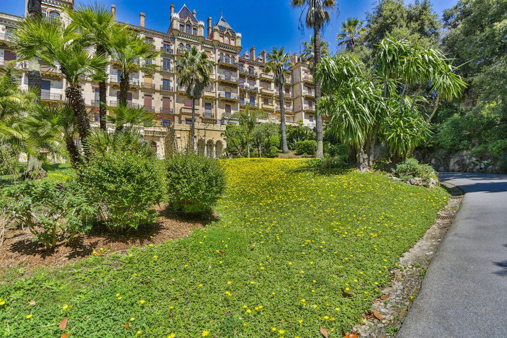 Appartement à vendre 3 121.97m2 à Cannes vignette-15