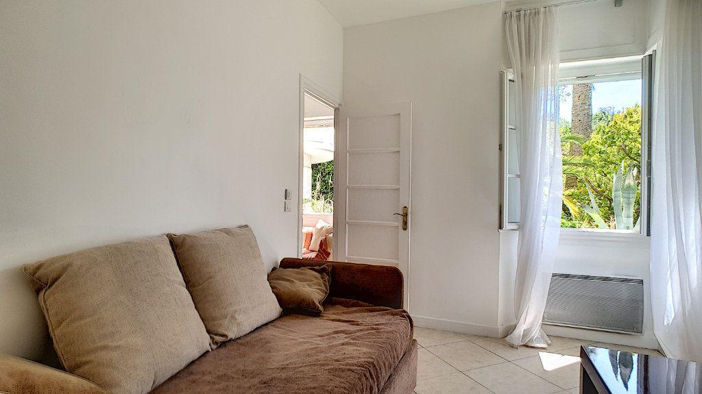 Appartement à vendre 3 67.85m2 à Cannes vignette-5
