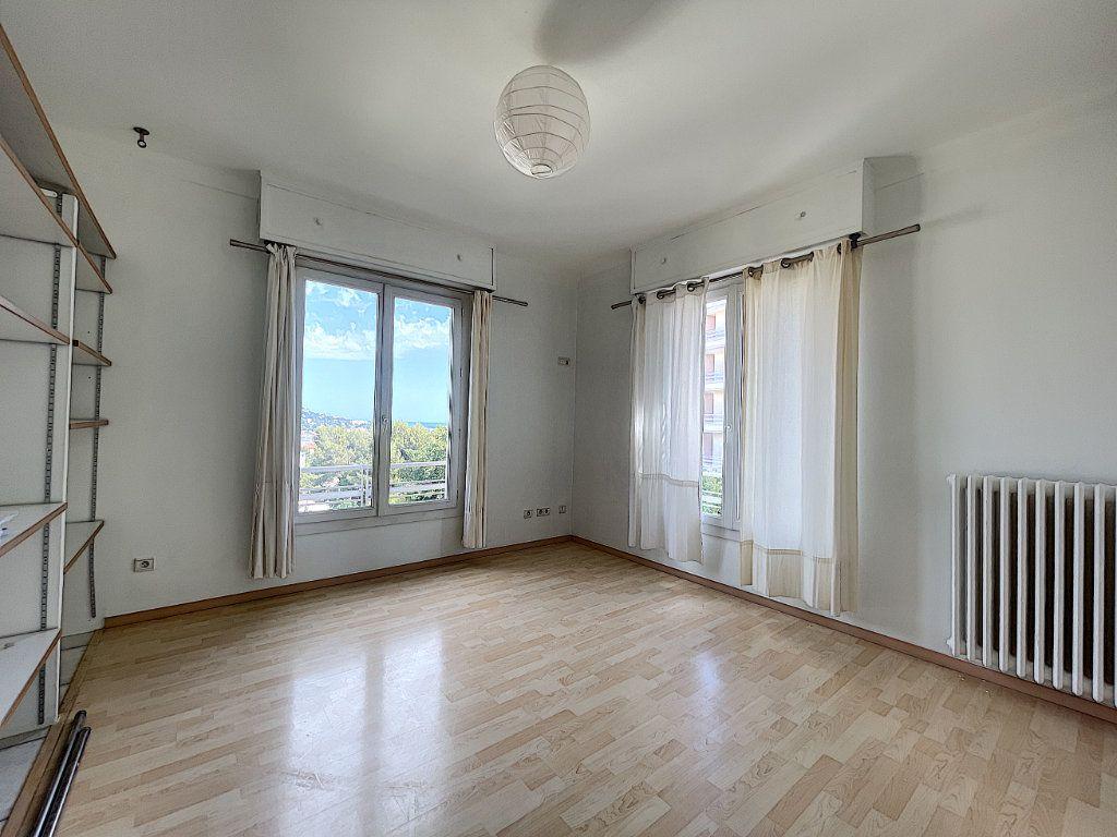 Appartement à vendre 3 66.92m2 à Cannes vignette-5