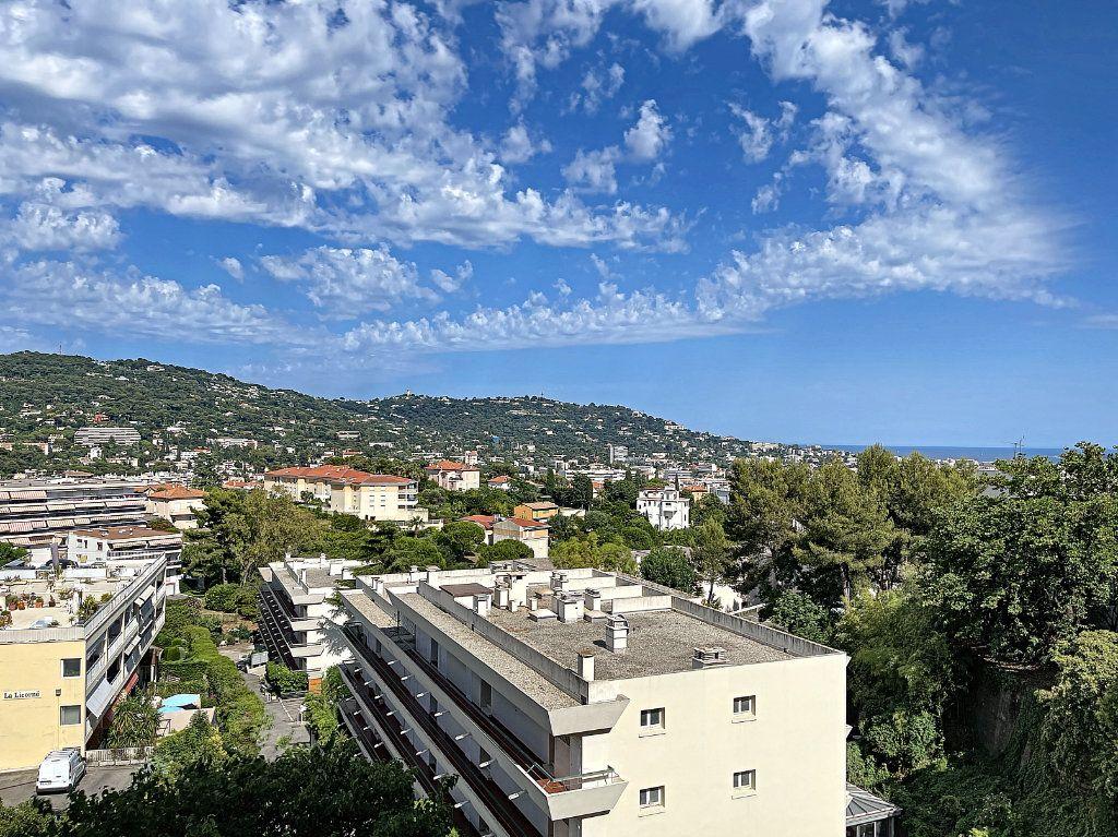 Appartement à vendre 3 66.92m2 à Cannes vignette-13