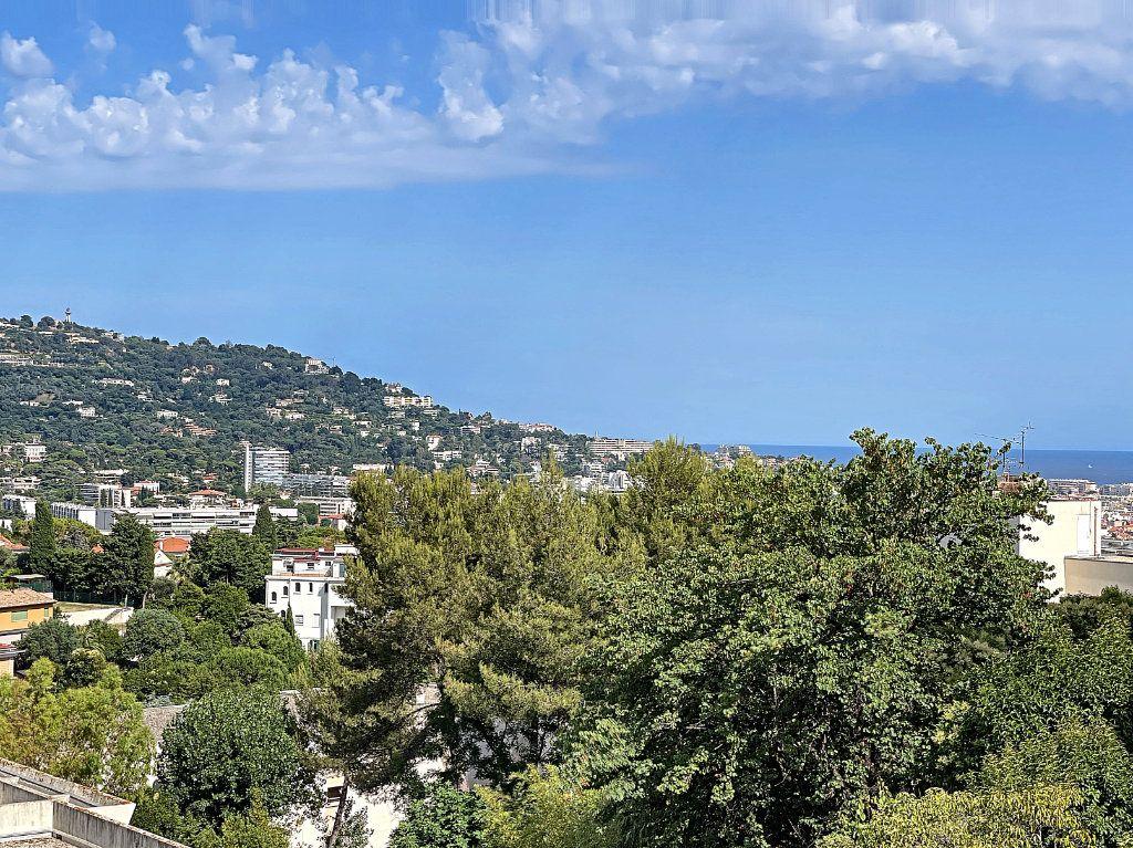 Appartement à vendre 3 66.92m2 à Cannes vignette-14