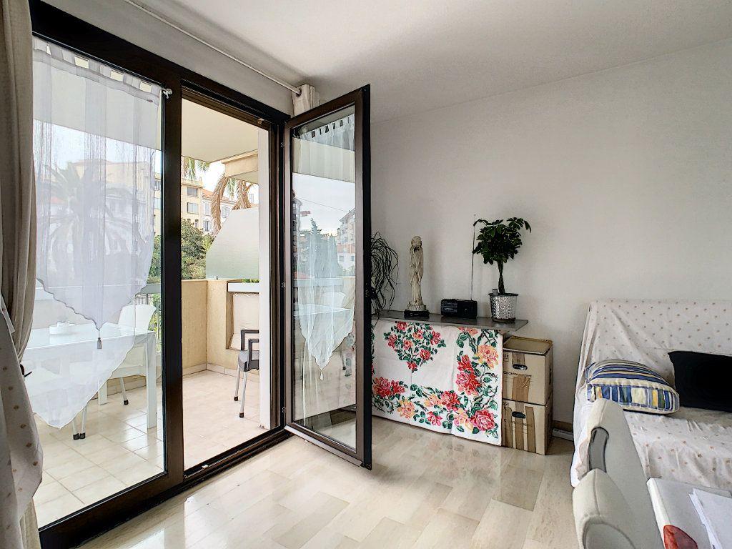 Appartement à vendre 2 52m2 à Cannes vignette-3