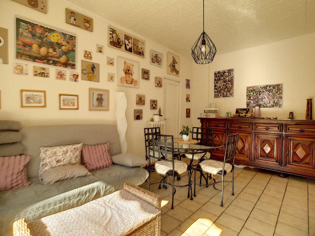 Appartement à vendre 3 59m2 à Cannes vignette-5
