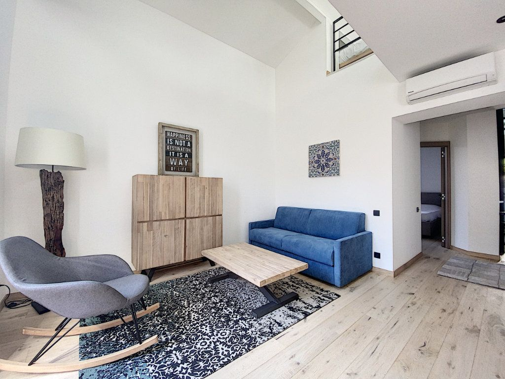 Appartement à vendre 3 61m2 à Cannes vignette-1