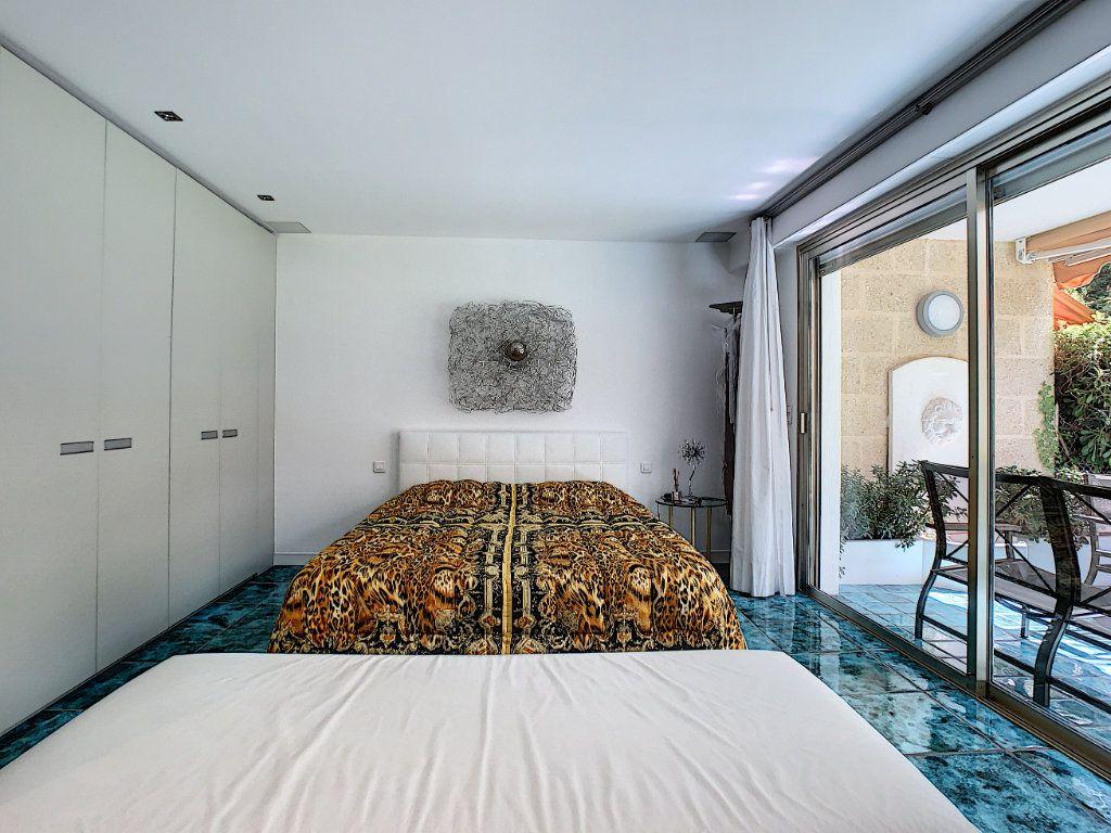 Appartement à vendre 3 103.68m2 à Cannes vignette-5