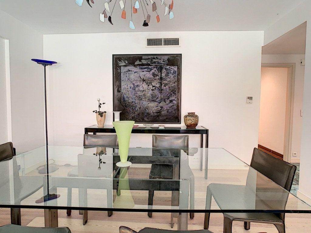 Appartement à vendre 3 103.68m2 à Cannes vignette-9