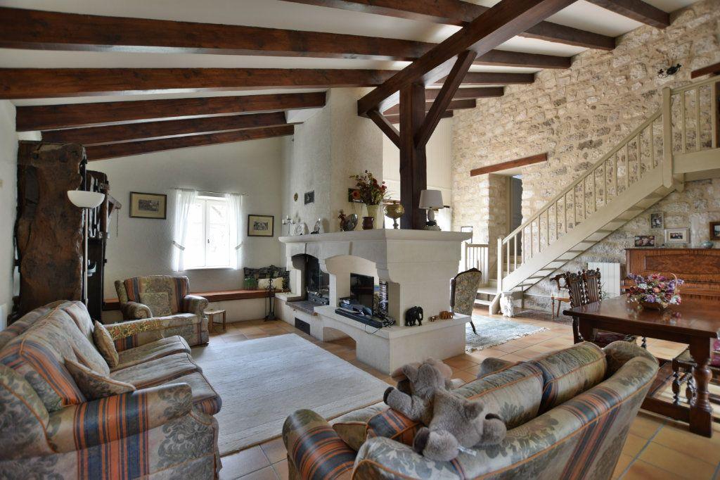 Maison à vendre 6 180m2 à Le Verdier vignette-2