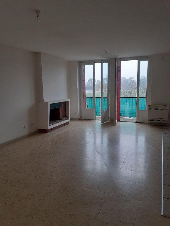 Appartement à louer 3 63m2 à Graulhet vignette-2