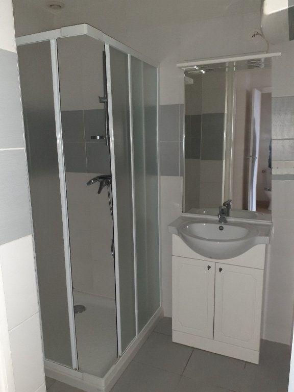 Appartement à louer 3 63m2 à Graulhet vignette-4
