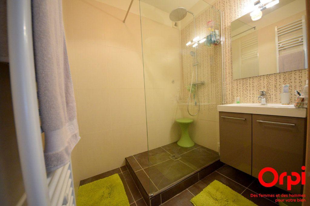 Appartement à louer 5 98.92m2 à Saint-Pierre-du-Perray vignette-4
