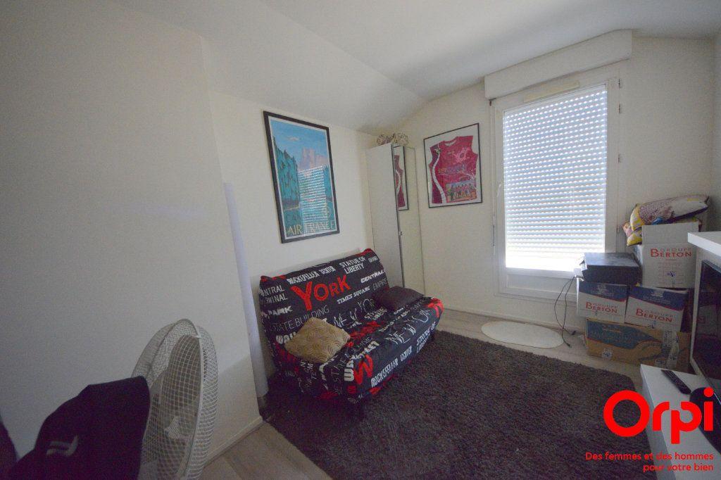 Appartement à louer 5 98.92m2 à Saint-Pierre-du-Perray vignette-5