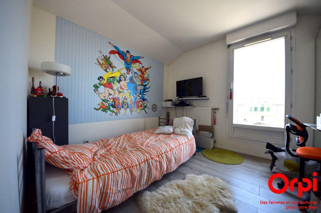Appartement à louer 5 98.92m2 à Saint-Pierre-du-Perray vignette-7