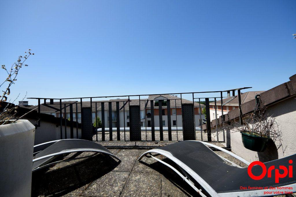 Appartement à louer 5 98.92m2 à Saint-Pierre-du-Perray vignette-8
