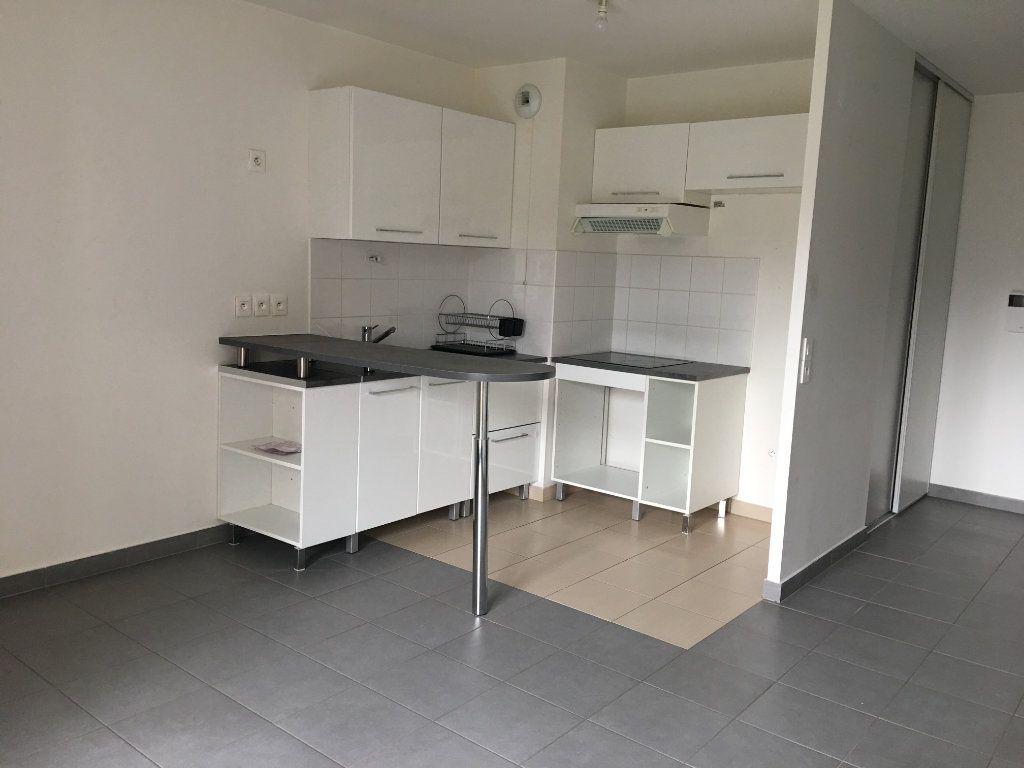 Appartement à louer 2 42m2 à Dammartin-en-Goële vignette-1