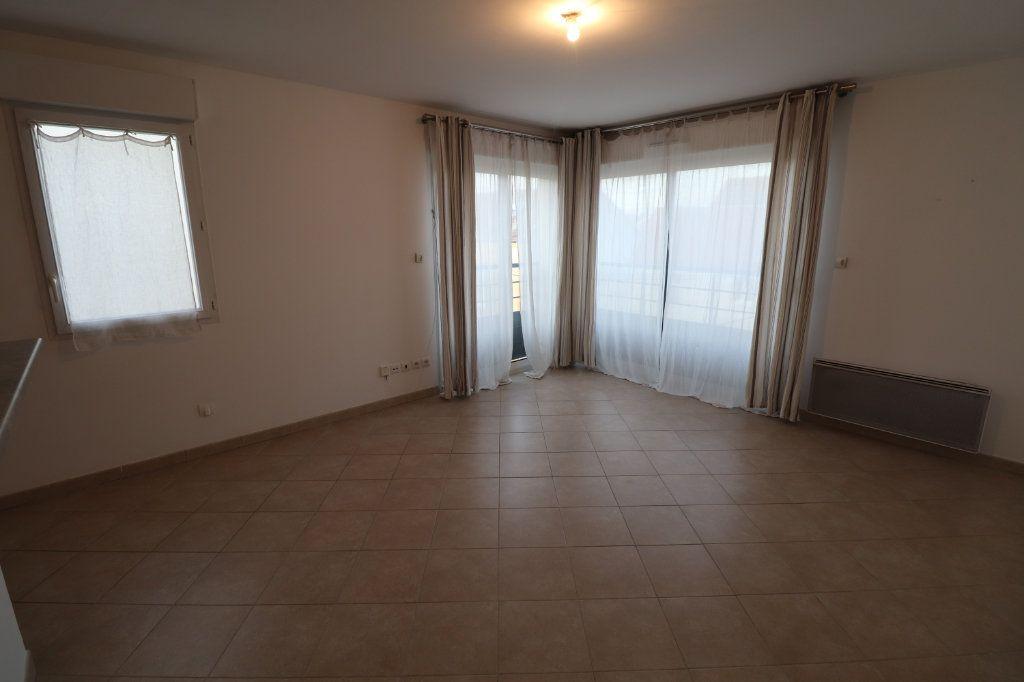 Appartement à vendre 2 60.2m2 à Meaux vignette-3